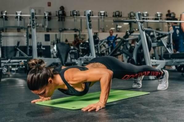 Quais são os exercícios do CrossFit que aumentam a pressão intra-abdominal LPF